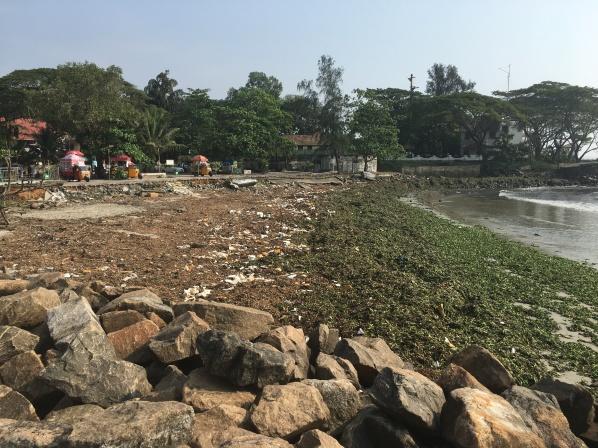 Rubbish at Fort Kochi